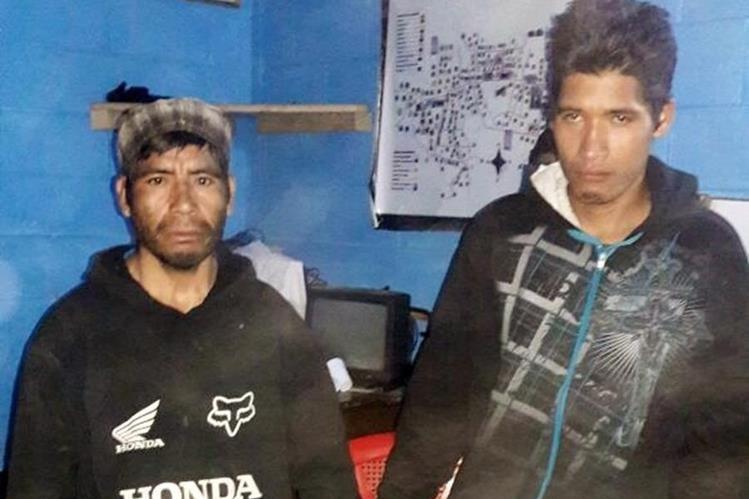 Los dos sospechosos de haber cometido el crimen en Nebaj. (Foto Prensa Libre: Óscar Figueroa).