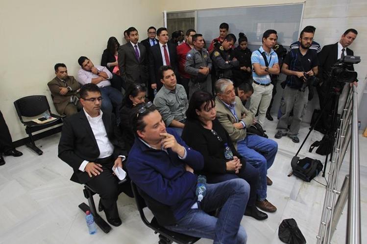 Detenidos por el caso de fraude en el IGSS esperan la resolución del juez penal. (Foto Prensa Libre: Hemeroteca PL)