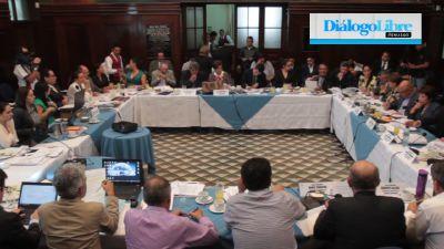 Una comisión trabaja en el Congreso para analizar las propuestas para reformar la Ley Electoral y de Partidos Políticos. (PrensaLibre: Hemeroteca PL)