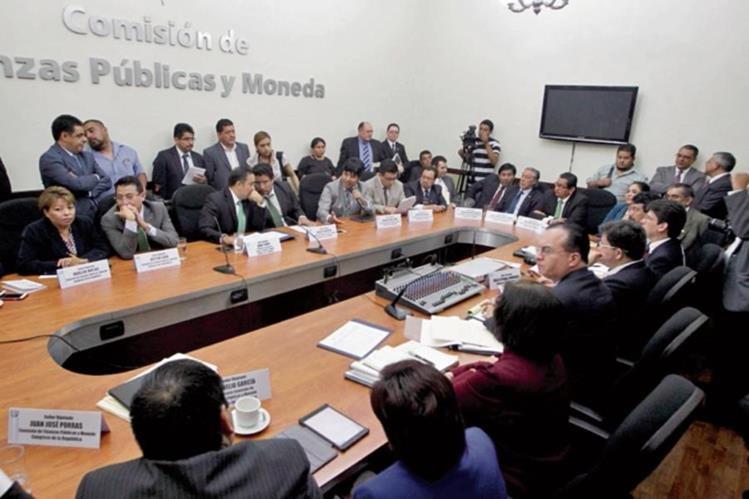 Comisión de Finanzas convocó mañana para analizar los cambios al dictamen de readecuación del gasto.