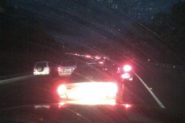 Hay dos kilómetros de congestionamiento en la garita de la autopista a Palín, Escuintla. (Foto Prensa Libre: Provial)