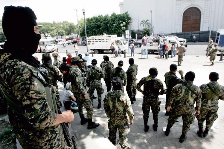 el fin de semana se escaparon seis cabecillas de una pandilla en El Salvador, de los cuales ya fueron recapturados cuatro. Autoridades mantienen alerta. (foto Prensa Libre: Cortesía La Prensa Gráfica)
