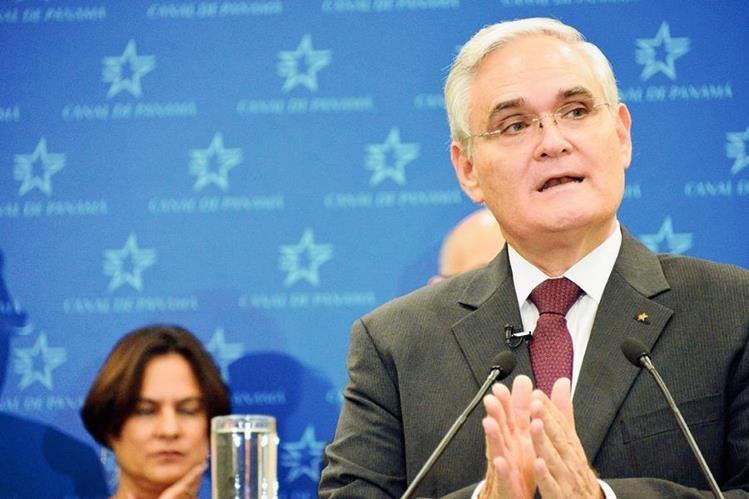 Jorge Quijano, administrador del Canal de Panamá, refirió que analizan la situación.