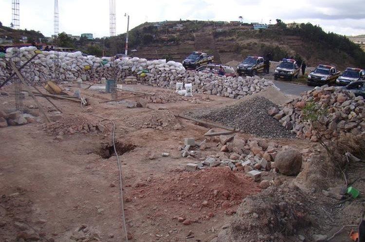 Este es el terraplén ubicado en el área aún no delimitada entre los municipios de Ixchiguán y Tajumulco, San Marcos, que ha ocasionado los enfrentamientos. (Foto Prensa Libre: Whitmer Barrera)
