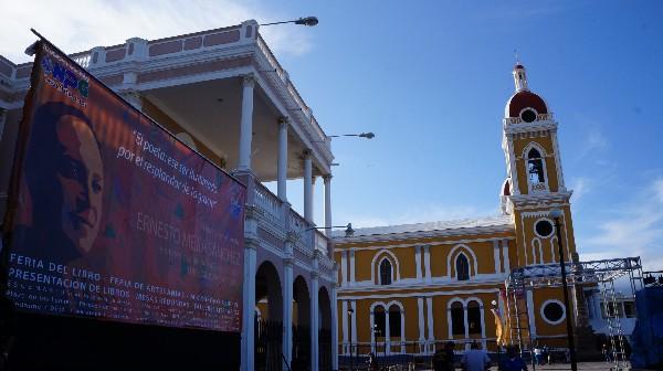 Granada recibe a los poetas en el su prestigioso festival de poesía. (Foto Prensa Libre: ACAN-EFE).