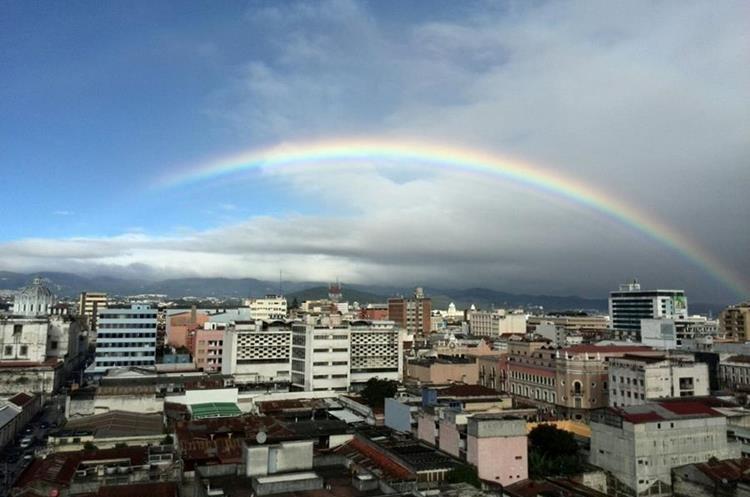 En la Ciudad de Guatemala se calcula que hay 2.1 millones de habitantes. (Foto Hemeroteca PL)