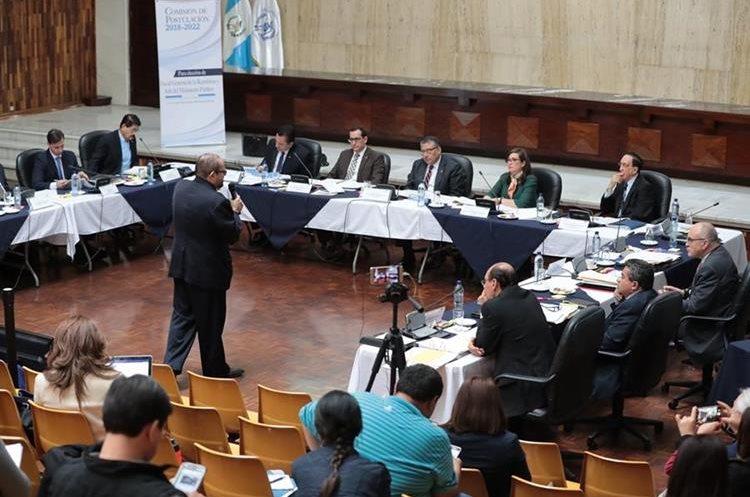Los comisionados aprobaron en consenso la tabla de gradación para los candidatos a fiscal general. (Foto Prensa Libre: Hemeroteca PL)