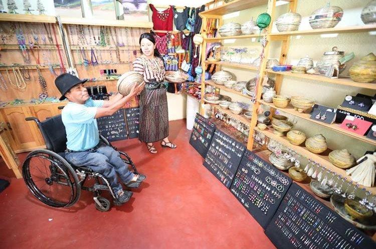 Todos los artesanos de Adisa tienen capacidades diferentes.
