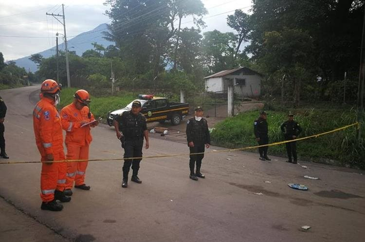 El Insivumeh dijo que recomendó la evacuación, pero que solo la Conred tiene la potestad de emitir las alertas. (Foto Prensa Libre: Estuardo Paredes)