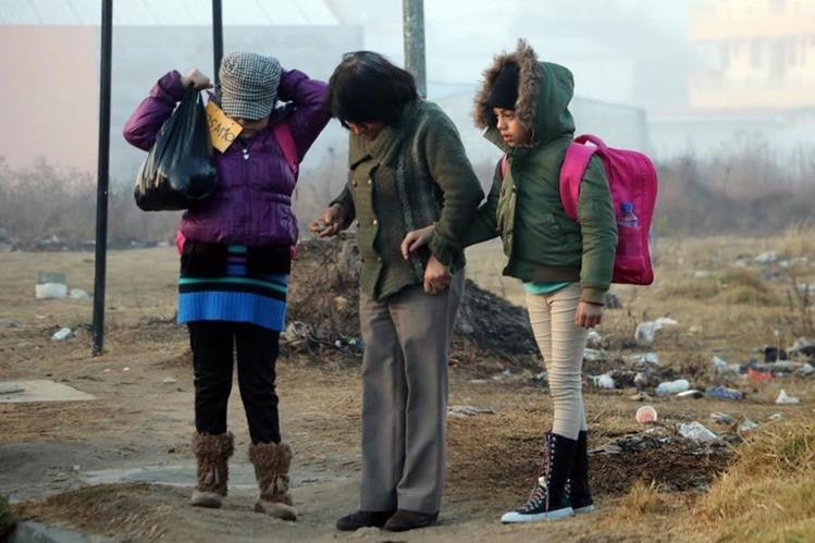 Durante los últimos días, vecinos de Xela han experimentado temperaturas de hasta -5 grados. (Foto HemerotecaPL: Carlos Ventura)