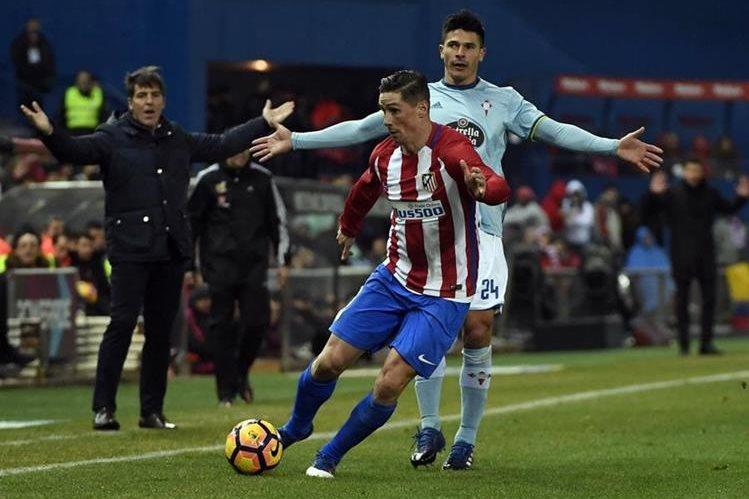 Fernando Torres anotó anoche ante el Celta en el Vicente Calderón entra en la lista de candidatos al Premio Puskas para el mejor gol del año. (Foto Prensa Libre: AFP)