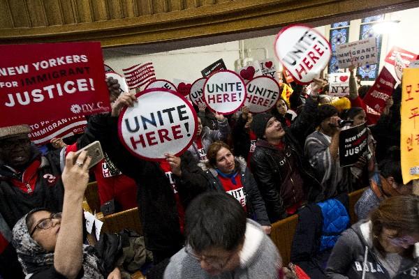 Inmigrantes y Defensores de inmigrantes se manifiestan en Washington DC. (AP).