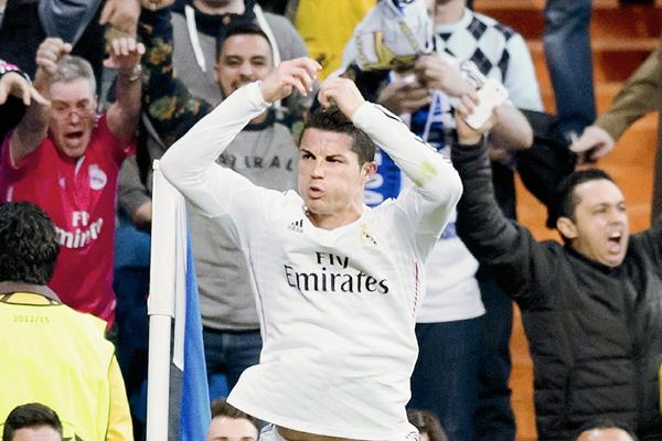 Cristiano Ronaldo empató junto con Messi y Neymar como los goleadores de la Champions. (Foto Prensa Libre: Hemeroteca PL)