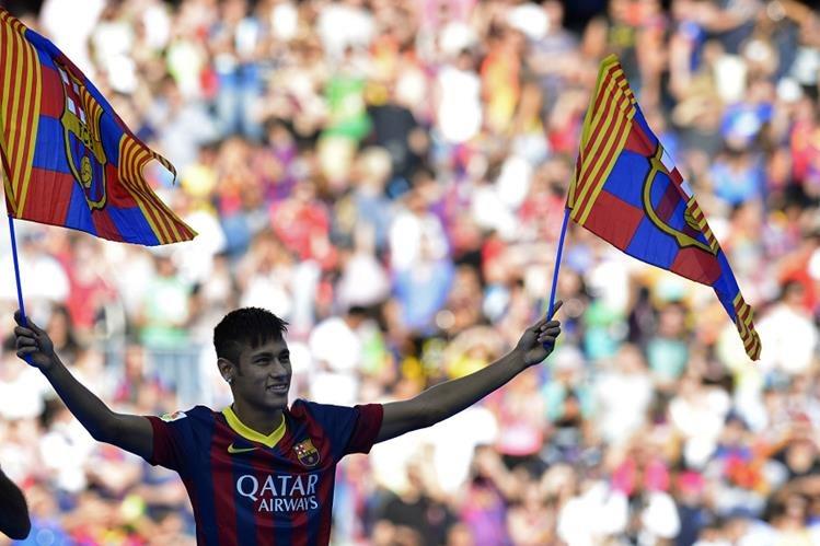 La Sección cuarta de lo Penal de la Audiencia Nacional ha confirmado el procesamiento contra Neymar por corrupción en su fichaje por el FC Barcelona. (Foto Prensa Libre: Hemeroteca)