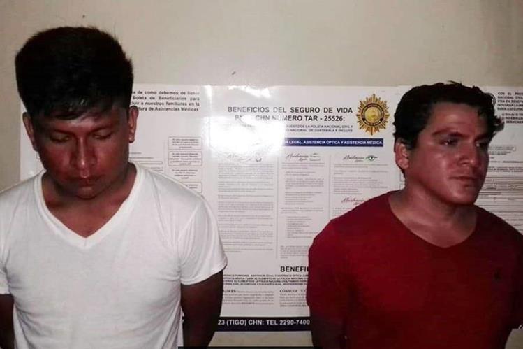 Los capturados fueron trasladados a la sede policial y puestos a disposición de la justicia. (Foto Prensa Libre: Whitmer Barrera)