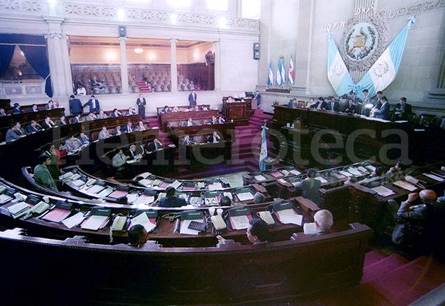 Vista del hemiciclo del Congreso en el año 2000. (Foto: Hemeroteca PL)