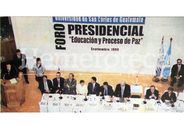 """El Foro Presidencial """"Educación y Proceso de Paz"""" organizado por la USAC destacó más por los insultos de los estudiantes que por las propuestas de los candidatos. (Foto: Hemeroteca PL)"""
