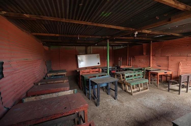 El rubro de remozamiento de escuelas queda relegado, de acuerdo con la propuesta de presupuesto. (Foto Prensa Libre: Hemeroteca PL)