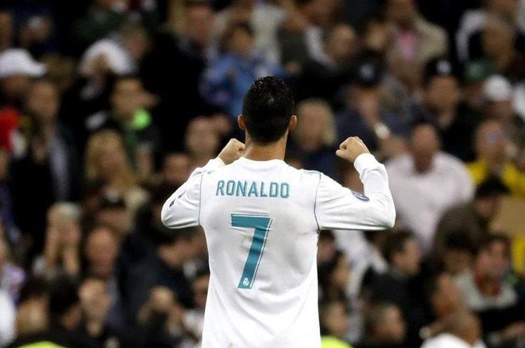 Cristiano Ronaldo celebra con los dos puños luego del empate.