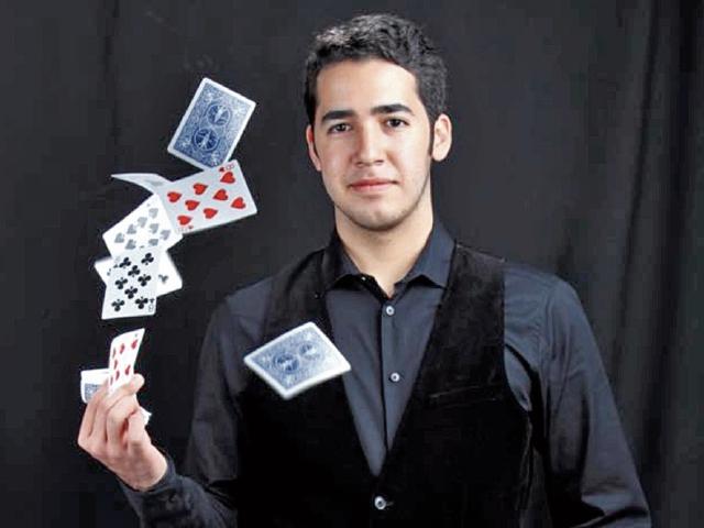 El Mago Daniel Vega, de Honduras, ofrecerá un espectáculo lleno de ilusión.