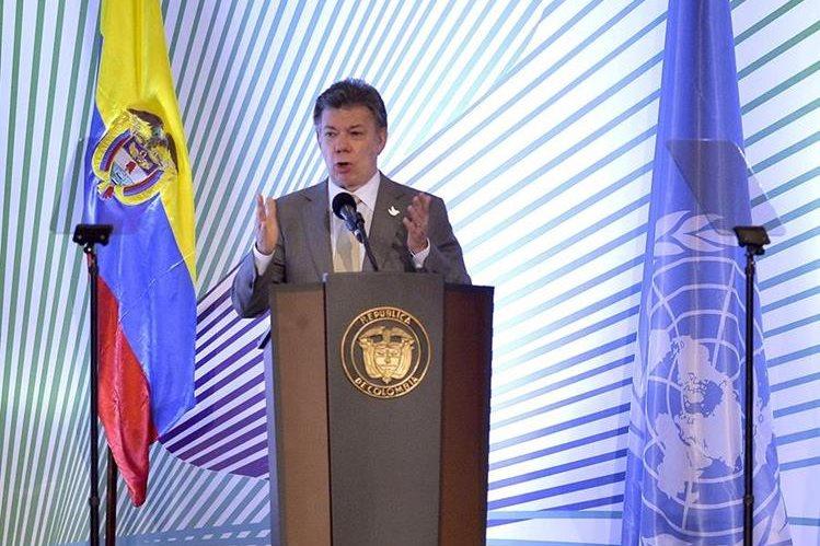 <em>El presidente de Colombia, Juan Manuel Santos viaja a Ecuador para tratar la crisis fronteriza.</em>