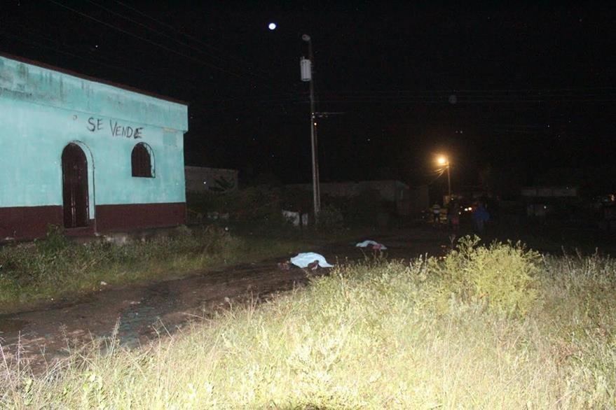 Dos hombres murieron baleados el martes último en la cabecera de Jalapa. (Foto Prensa Libre: Hugo Oliva)