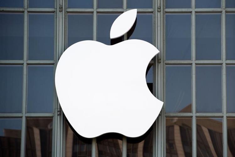 Apple ha implementado nuevas características físicas y técnicas en sus dispositivos para hacerlos más atractivos en el mercado. (Foto Prensa Libre: AFP).