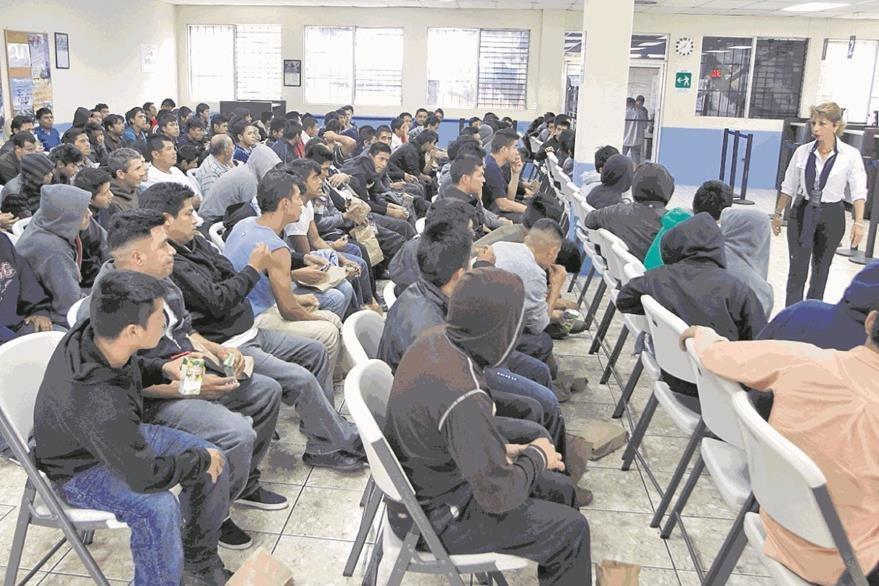 Con Obama,las instancias legales aprobaron 210 mil 745 deportaciones de connacionales. (Foto Prensa Libre: Hemeroteca PL)