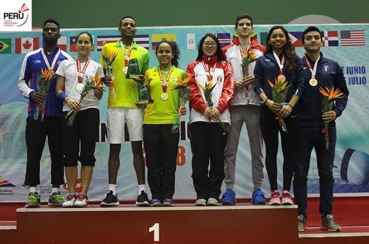Nikté Sotomayor y Aníbal Marroquín lograron conquistar el bronce en la modalidad de dobles mixtos. (Foto Prensa Libre: Cortesía Torneo Internacional de Perú)