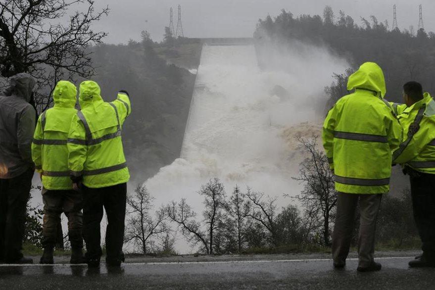 Ingenieros hallaron nuevos daños en la represa de Oroville, el más alto de Estados Unidos. (AP).