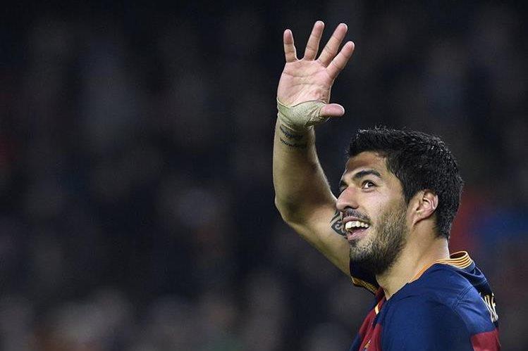 El delantero uruguayo Luis Suárez marcó cuatro goles con el Barcelona en la ida de las semifinales de la Copa del Rey. (Foto Prensa Libre: AFP)