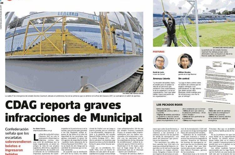 Aficionados escarlatas invadieron el estadio Doroteo Guamuch Flores y causaron serios daños a la instalación deportiva cuando Municipal logró el título 30. (Foto Prensa Libre: Hemeroteca PL).