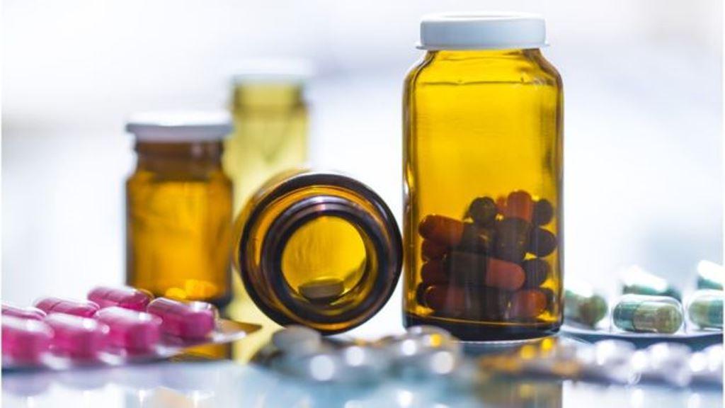 Se deben evitar lugares húmedos para guardar las medicinas. (THINKSTOCK)
