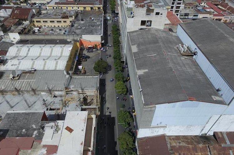 El nuevo comercial se suma a los esfuerzos municipales por reactivar el comercio y devolver el valor urbanístico al área. (Foto: Álvaro Interiano/Dron)