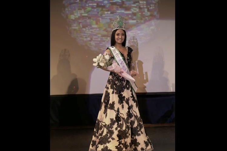 La guatemalteca Débora Puac ganó el concurso Miss Petite World a los 25 años. (Foto Prensa Libre: Débora Puac)