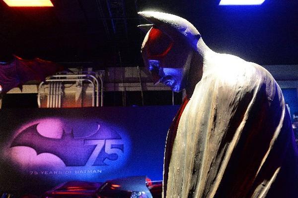 <p>La exposicion The Batman Exhibit abrió hoy sus puertas en los estudios de Warner Bros, en Los Ängeles (Foto Prensa Libre: AFP)</p>