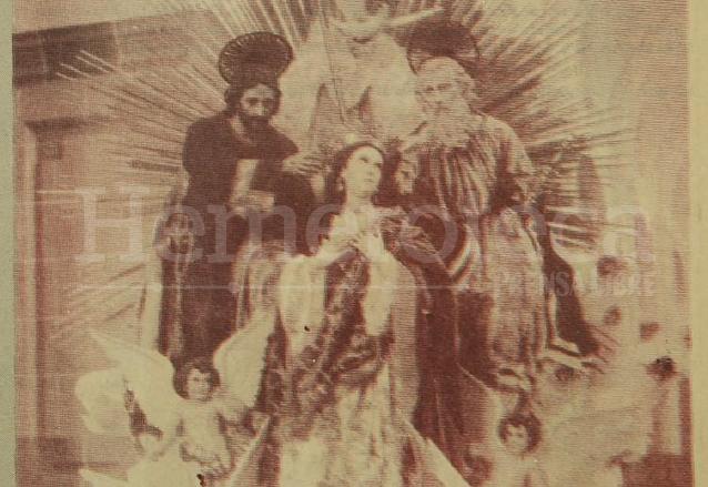 Anda de la Inmaculada Concepción en el interior de la Catedral. Foto de principios del siglo XX. (Foto: Hemeroteca PL)