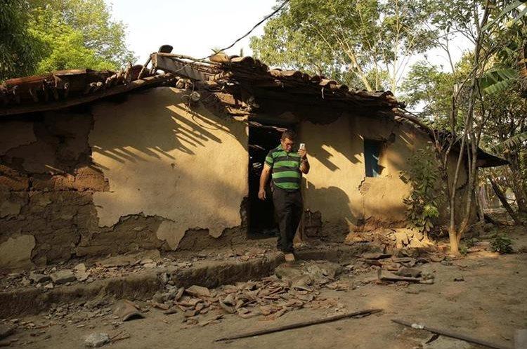 Afectados por sismos en El Salvador urgen a Gobierno a enviar ayuda. (EFE)