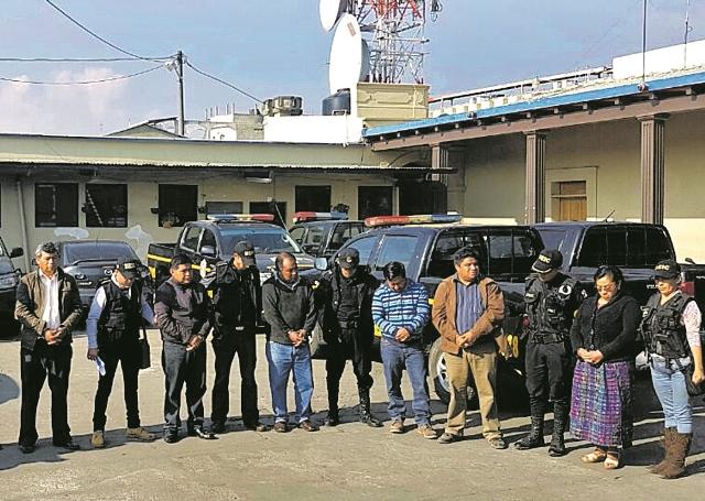 Luego de varios allanamientos, las autoridades capturaron a exfuncionarios ediles y representantes legales de empresas vinculadas a corrupción. (Foto Prensa Libre: Hemeroteca PL)
