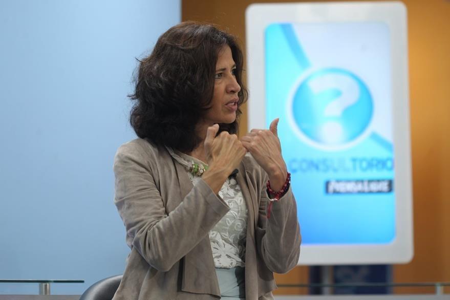 La psicóloga Flor de María Palencia habla sobre las emociones, durante El Consultorio. (Foto Prensa Libre, Óscar Rivas)