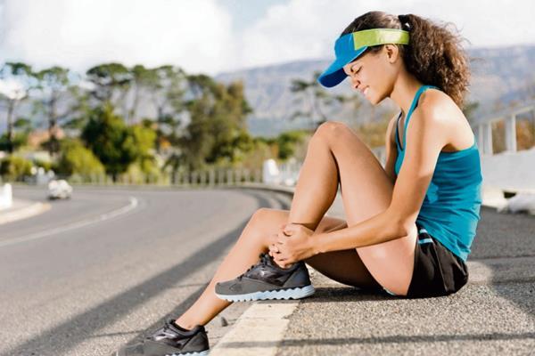 Las lesiones  musculares y de articulaciones son  comunes, cuando la actividad física es desmesurada.