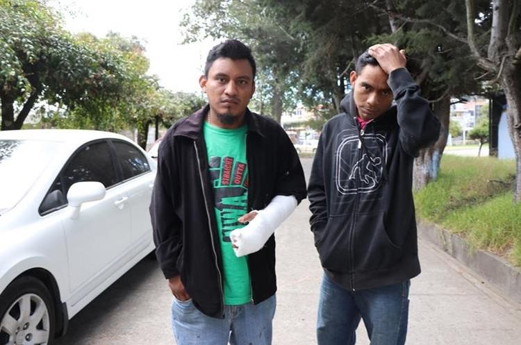 El esposo de la víctima y el hermano también fueron agredidos por Jorge Luis López Roblero, quien se presume estaba drogado. (Foto Prensa Libre: Whitmer Barrera)