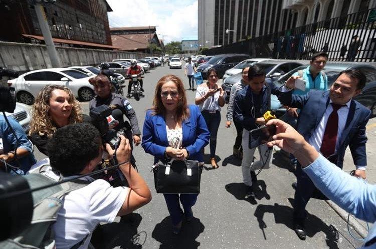 La magistrada separada de la CSJ Blanca Stalling recuperó su libertad hoy por decisión de una jueza suplente. (Foto Prensa Libre: Erick Ávila)