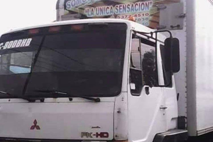 Camión con instrumentos que fue robado por delincuentes en Retalhuleu. (Foto Prensa Libre: Cortesía).