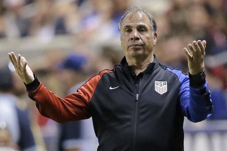 Bruce Arena se despidió de la Selección de Estados Unidos después de no lograr la clasificación al Mundial. (Foto Hemeroteca PL).