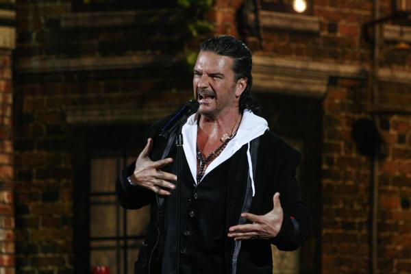 Ricardo Arjona se presentó en 2010 en Viña del Mar, una de las noches más recordadas del festival chileno.