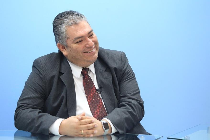 Homeópata Francisco Quiñónez, durante El Consultorio. (Foto Prensa Libre, Esbin García)