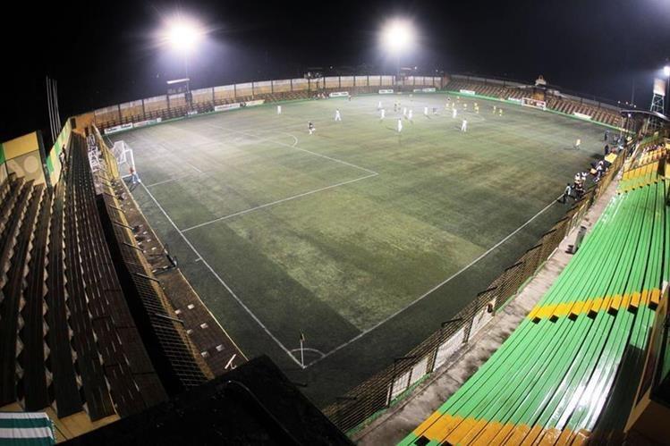 El estadio Julio Armando Cóbar, de San Miguel Petapa, es el elegido para los dos partidos más atractivos de la primera jornada del Clausura 2018. (Foto Prensa Libre: Hemeroteca PL)