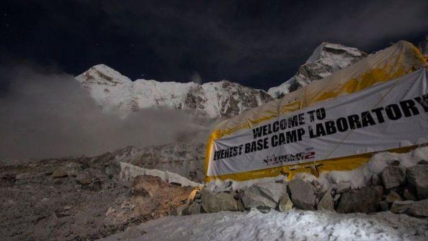 Los investigadores montaron un laboratorio en el campamento base del Everest. EXTREME EVEREST