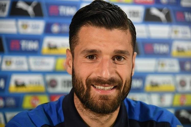 El Inter de Milán anunció la incorporación a sus filas del centrocampista internacional italiano Antonio Candreva. (Foto Prensa Libre: AFP)